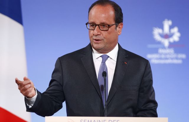 Francois Hollande raises doubts about timing of T-TIP