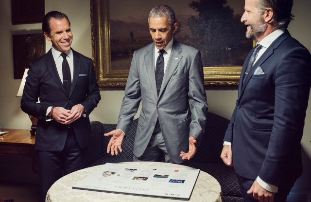 Scott Dadich, president Obama and Wired head of editorial Robert Capps plan the issue at the White House.