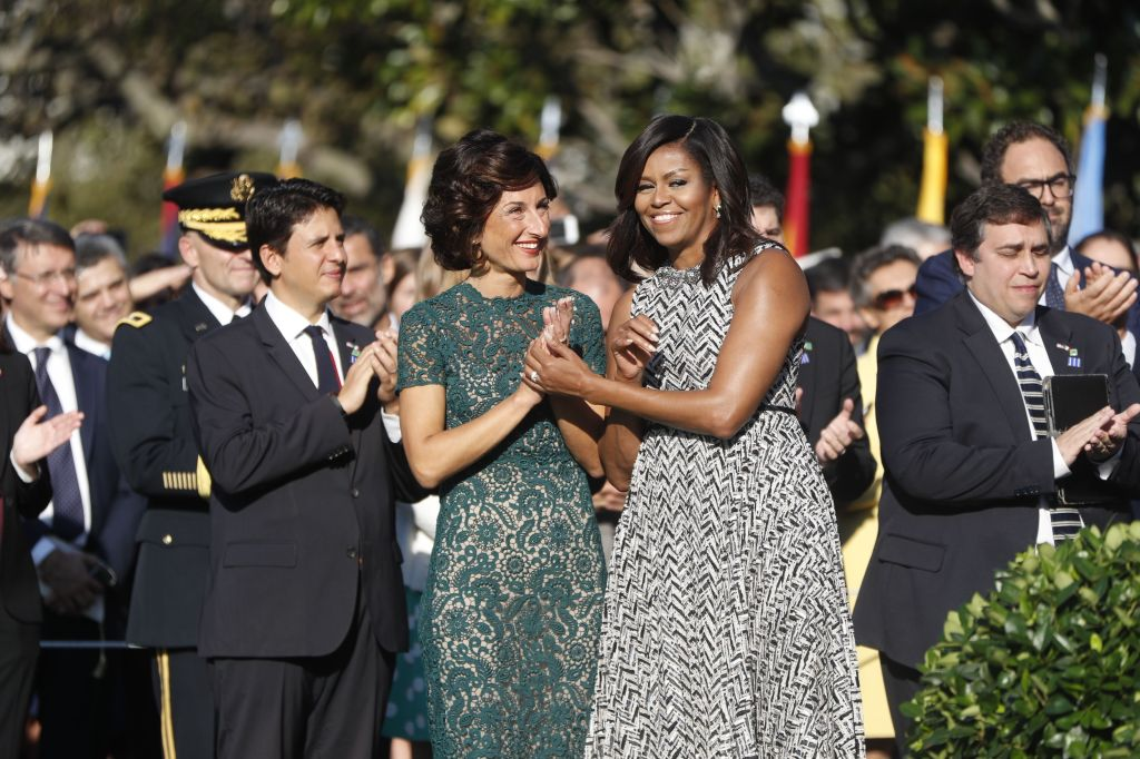 First lady Michelle Obama and Agnese Landini, wife of Italian Prime Minister Matteo Renzi.