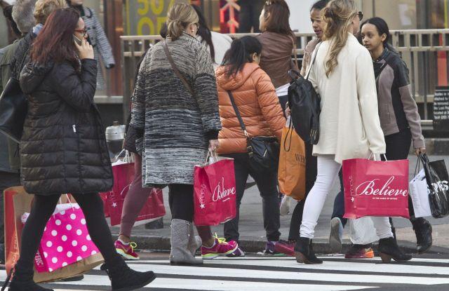holiday shopping nrf election synchrony