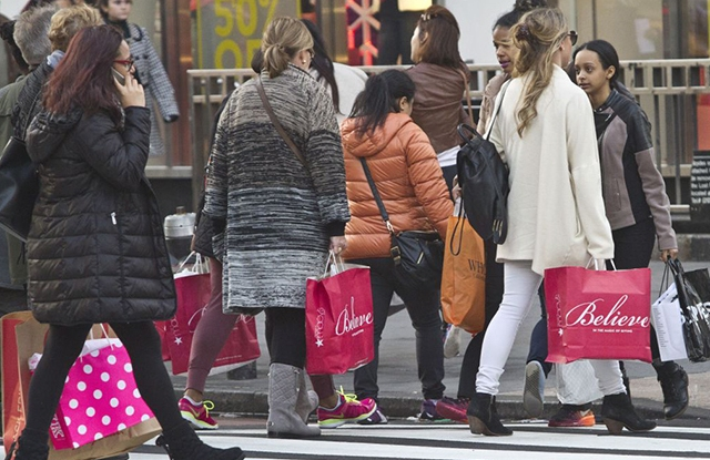 Holiday Shopping, New York, USA