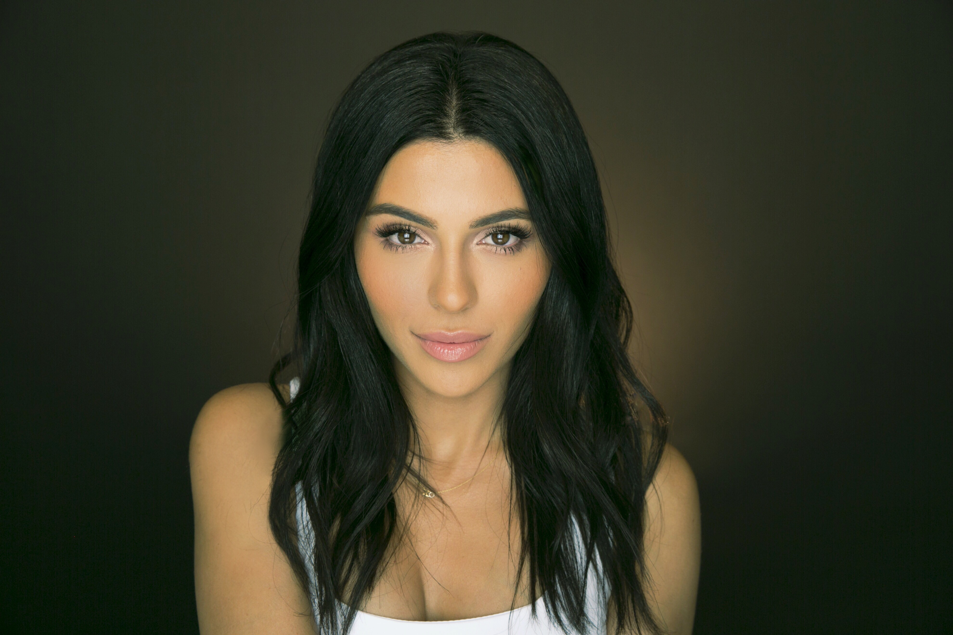 YouTube beauty personality Teni Panosian