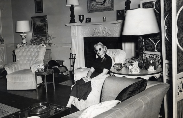Fleur Cowles in her home in Albany Piccadilly.