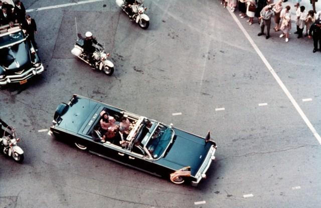 Steve Reed (as John F. Kennedy), and Jodie Farber (as Jackie Kennedy) in JFK, 1991.