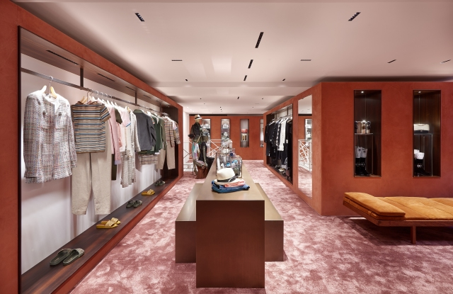 Chanel Opens in Courchevel