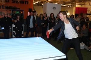 Shaun White ping-pong