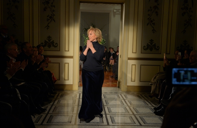 Alberta Ferretti takes a bow at the end of her Pre-Fall 2017/Limited Edition show