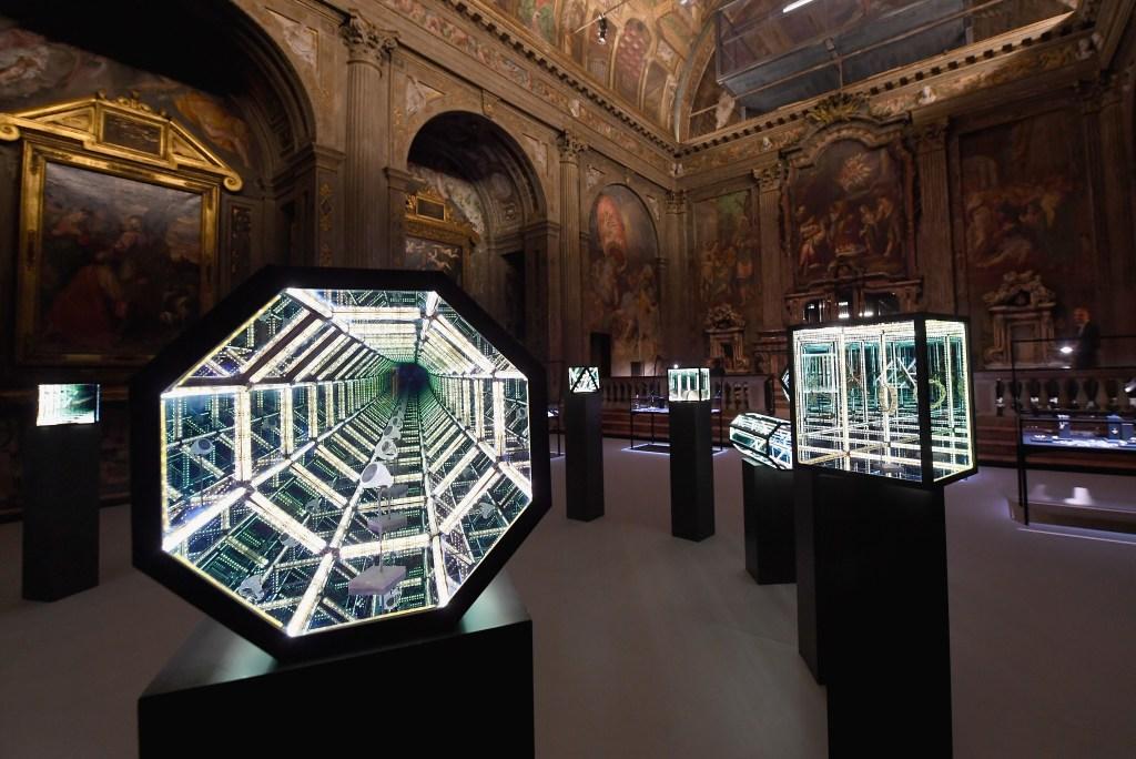 Artist Anthony James's installations at David Yurman's presentation in Milan.