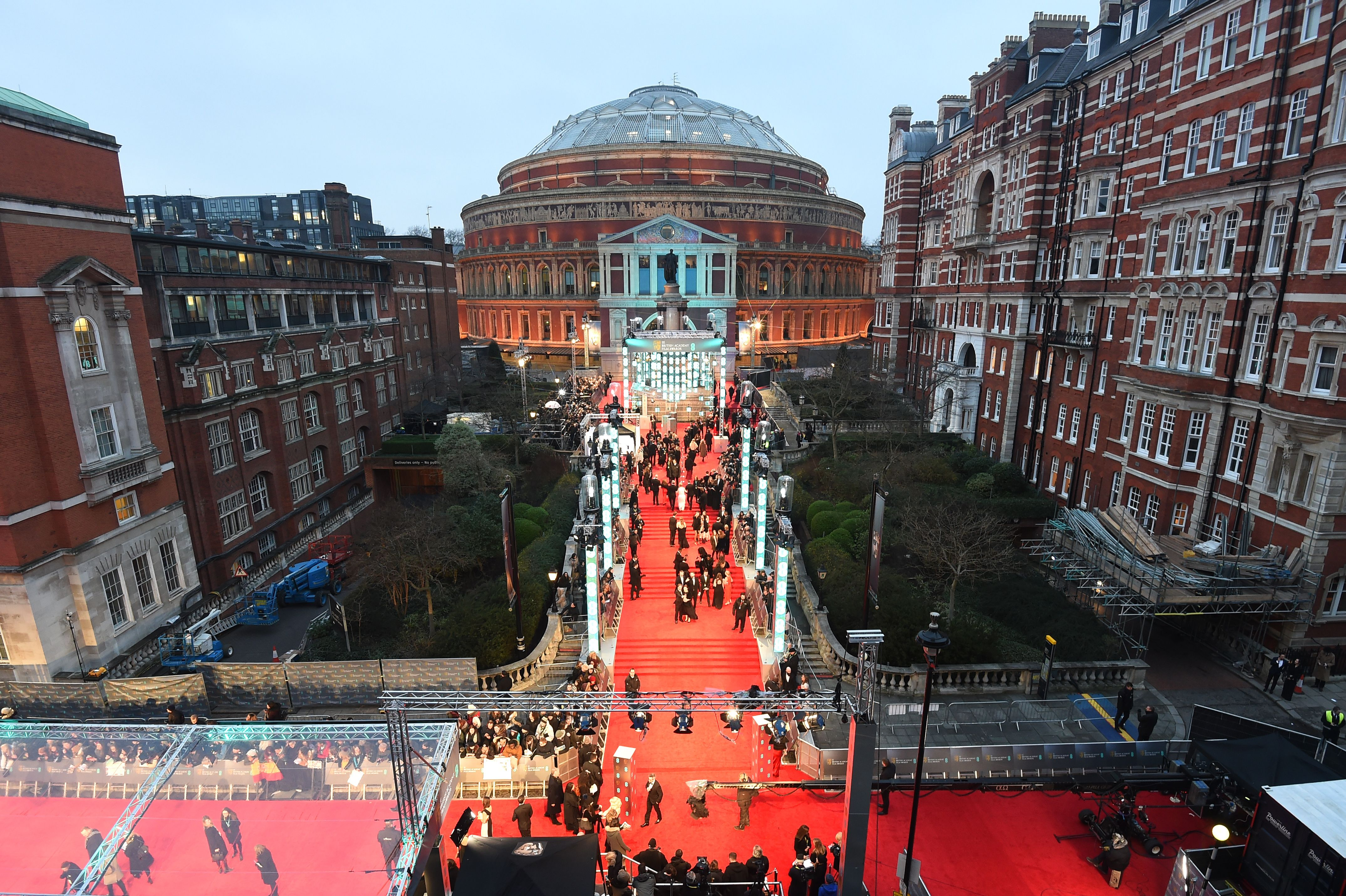 The atmosphere on the red carpet at the BAFTA Film Awards 2017