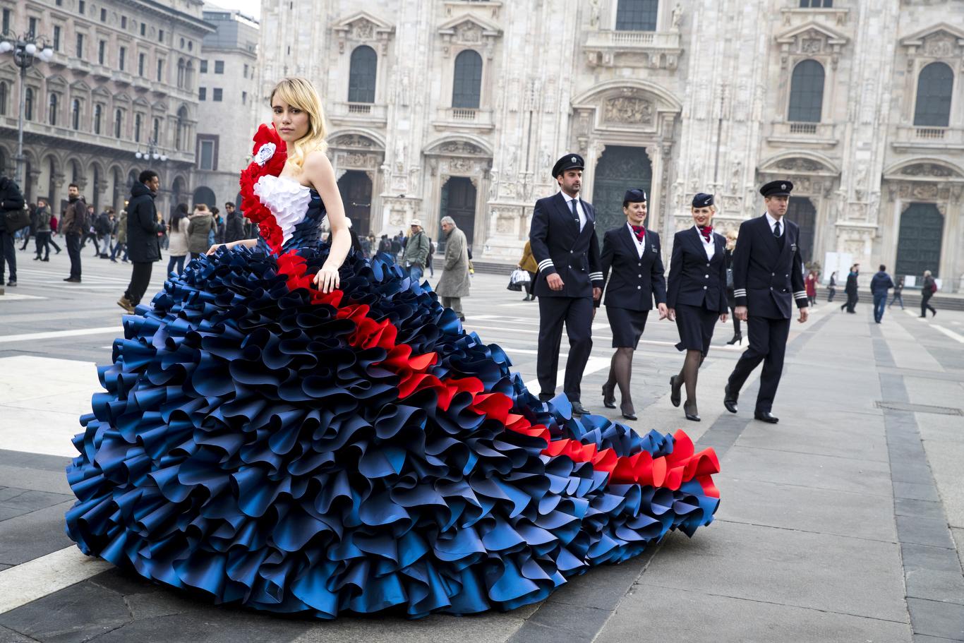 Suki Waterhouse British Airways