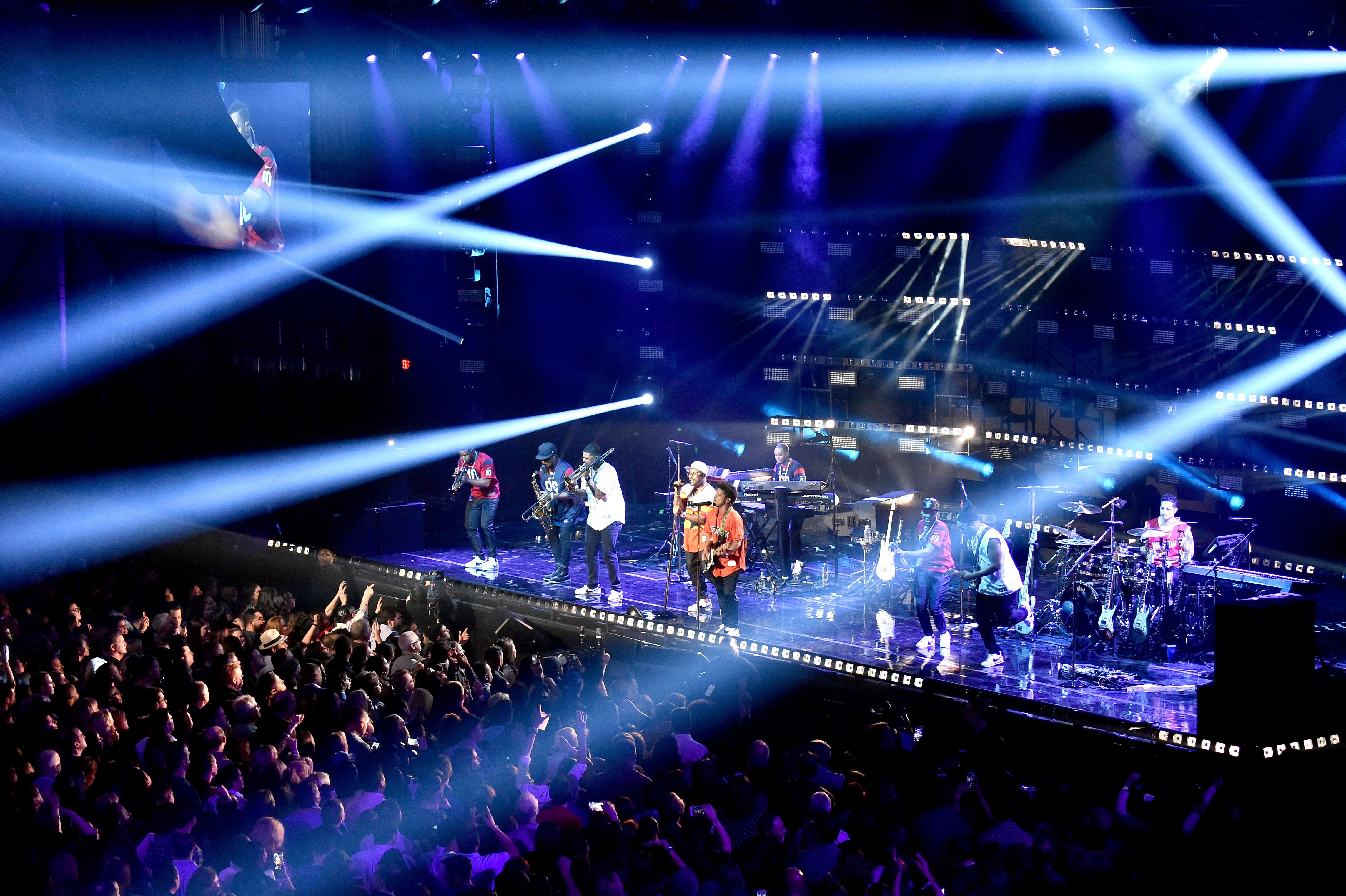 Bruno Mars LIFEWTR Art After Dark
