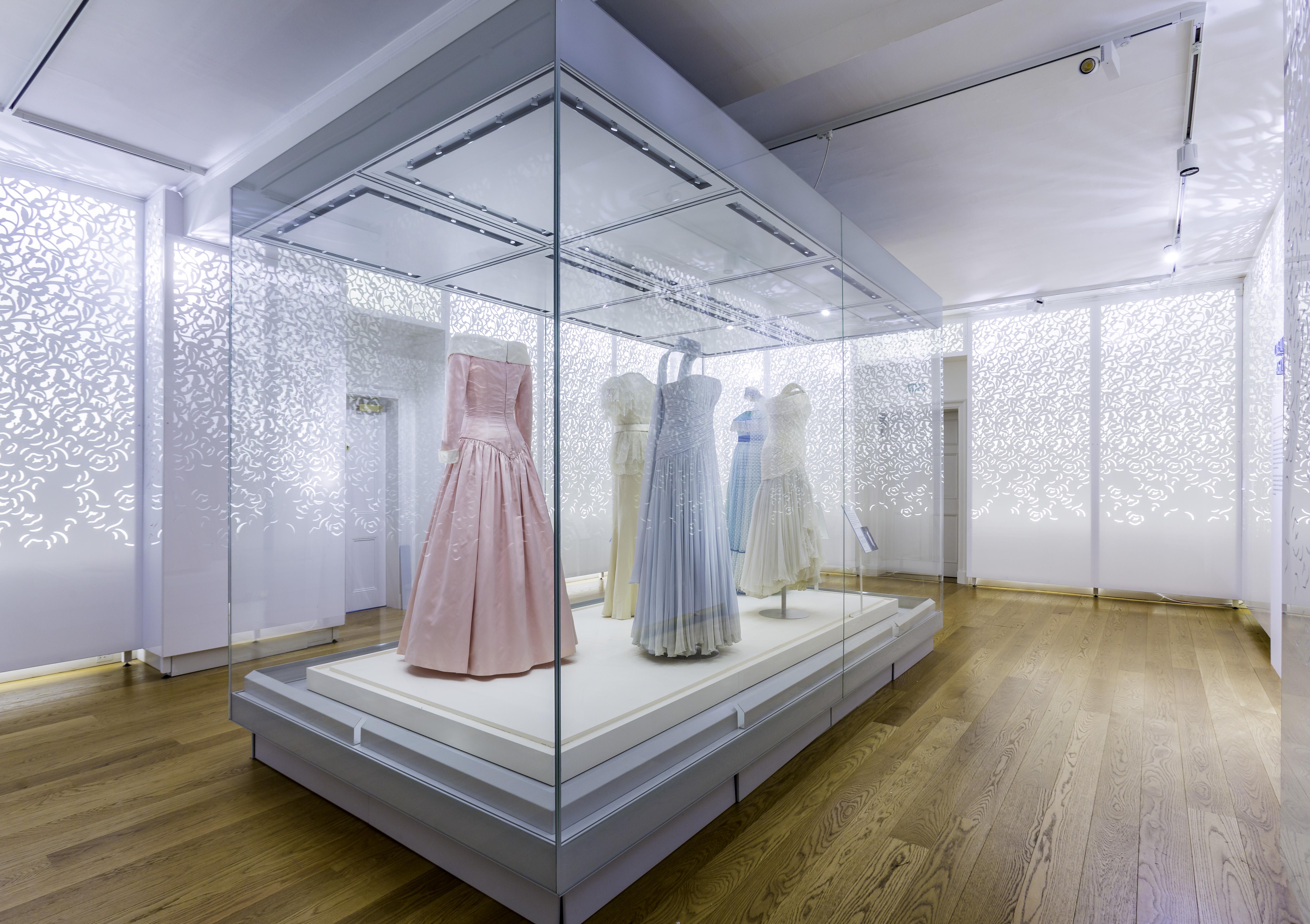 "Kensington Palace's ""Diana: Her Fashion Story"" exhibition"