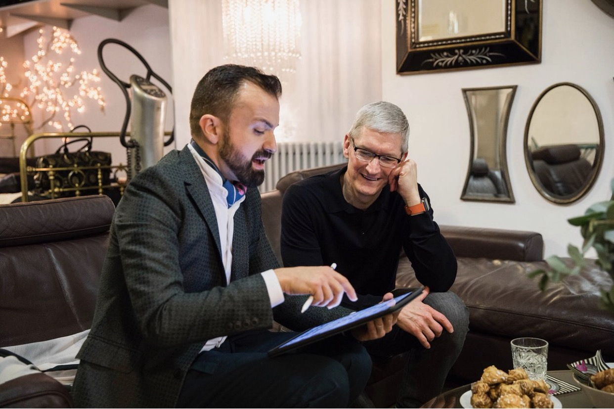 Julien Fournié and Tim Cook
