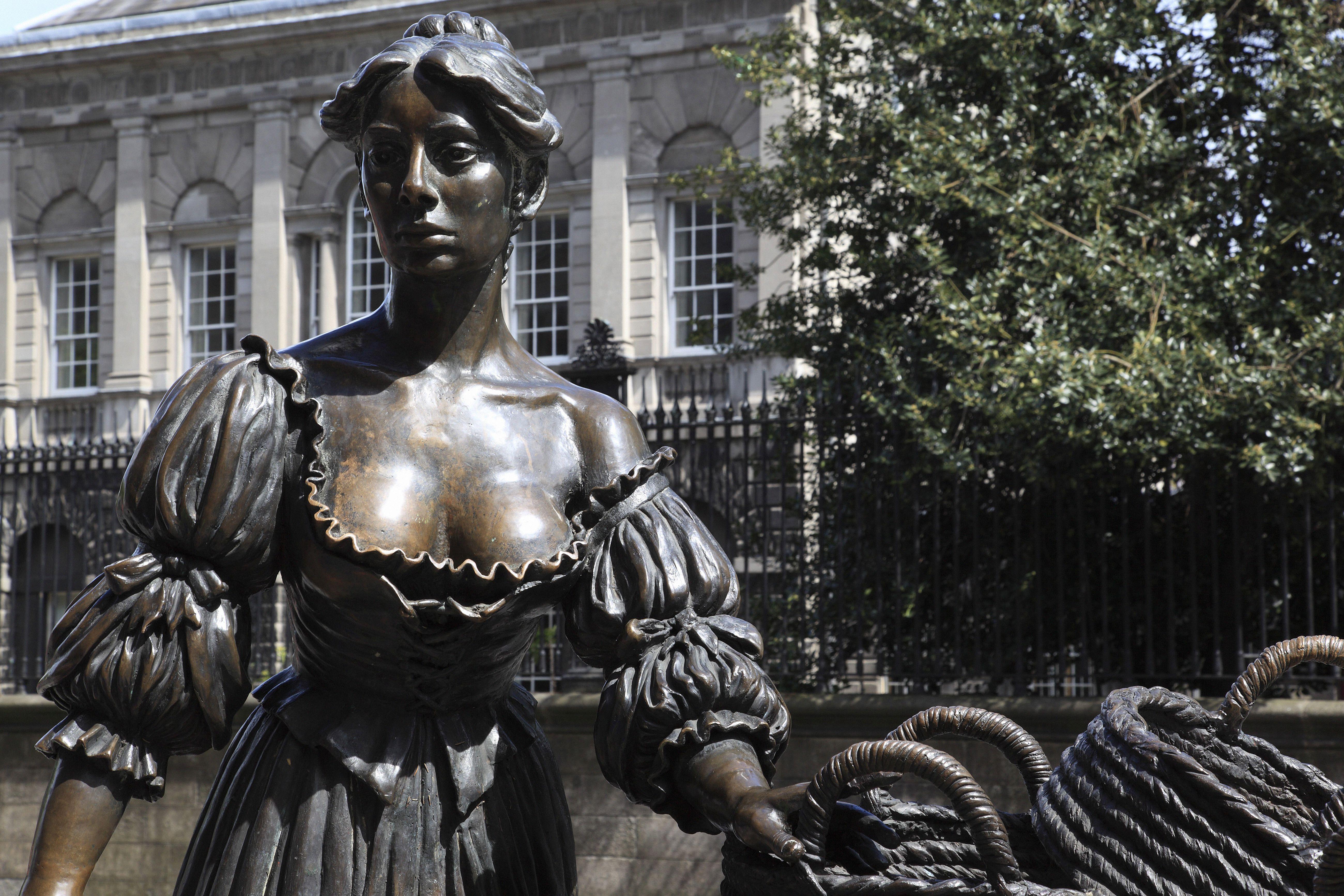 Molly Malone statue Dublin County Dublin IrelandTRAVEL STOCK