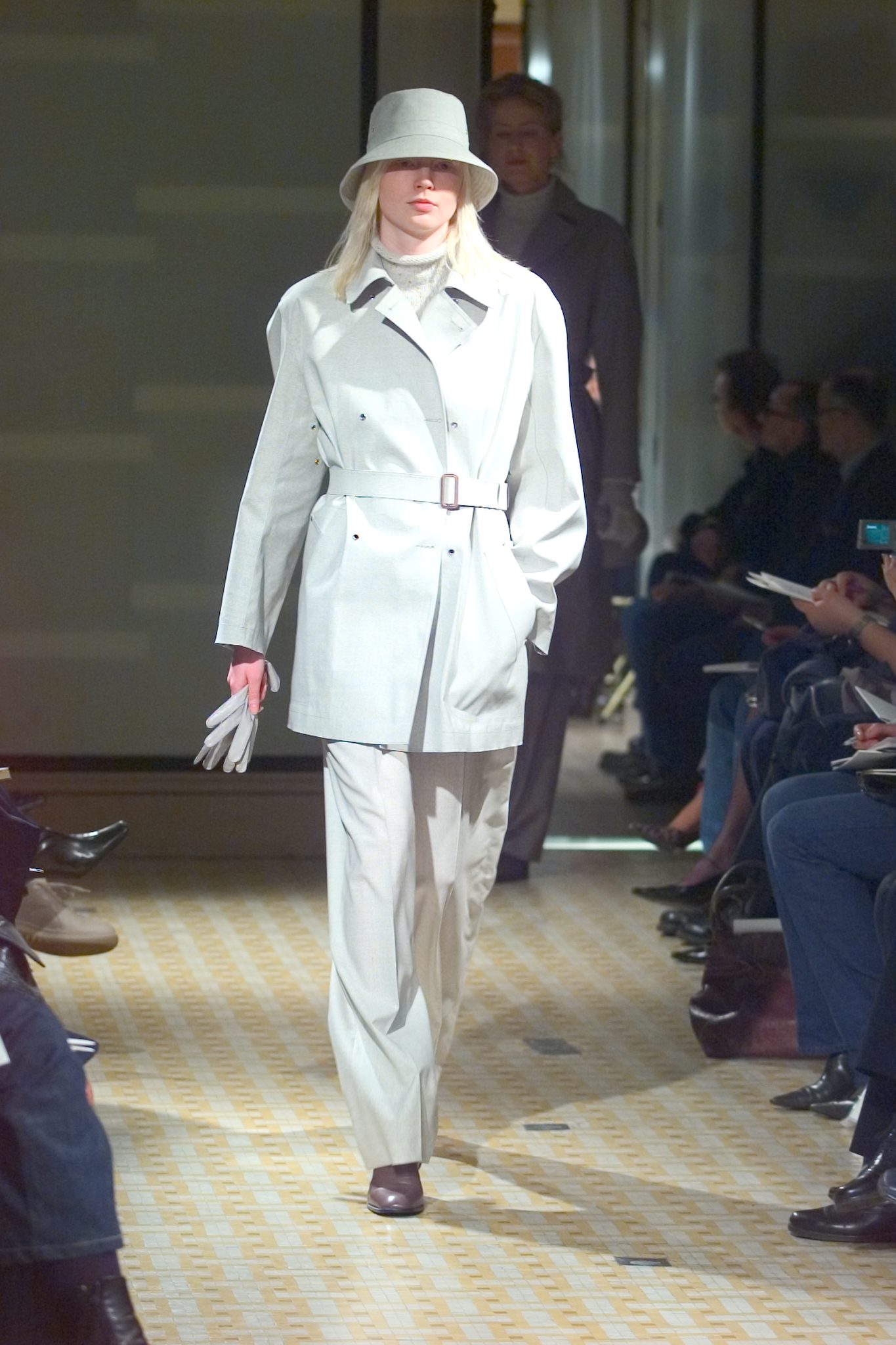 A look from Herms Fall 2001/2002 collection