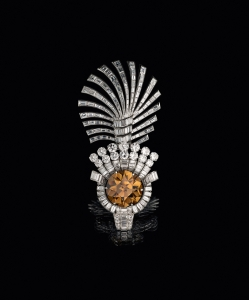 Tiger's Eye turban ornament by Cartier, 1937.