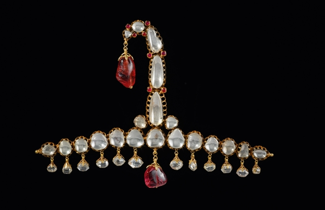 Turban ornament combining a vintage Indian ornament from around 1900 with a Cartier clip from 2012.