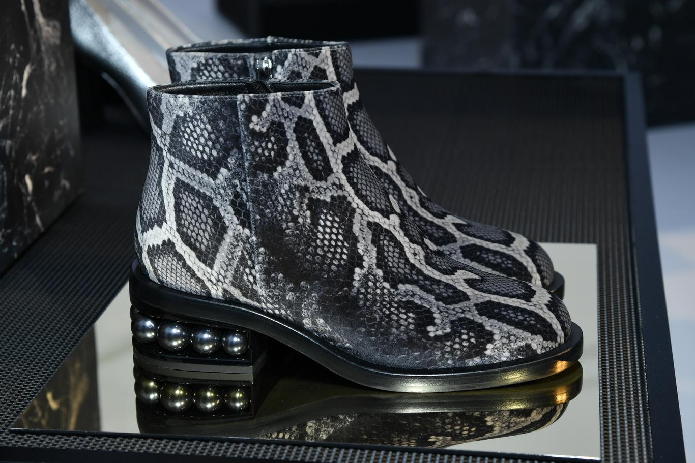 Nicholas Kirkwood's Fall Collection Presented at Paris Fashion Week