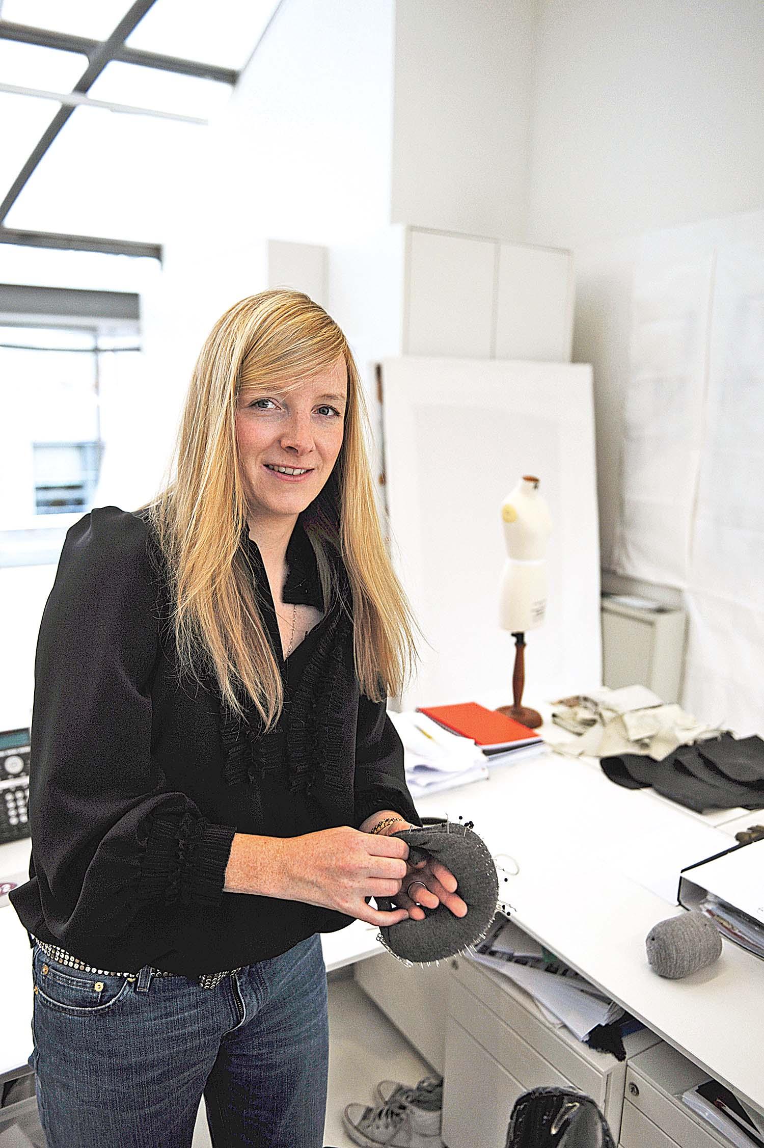 Women Fashion Designers: Sarah Burton, Alexander McQueen