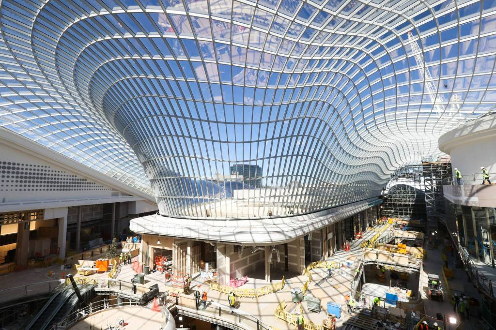 Chadstone shopping mall in Melbourne, Australia, which opened last year, features a unique gridshell roof.