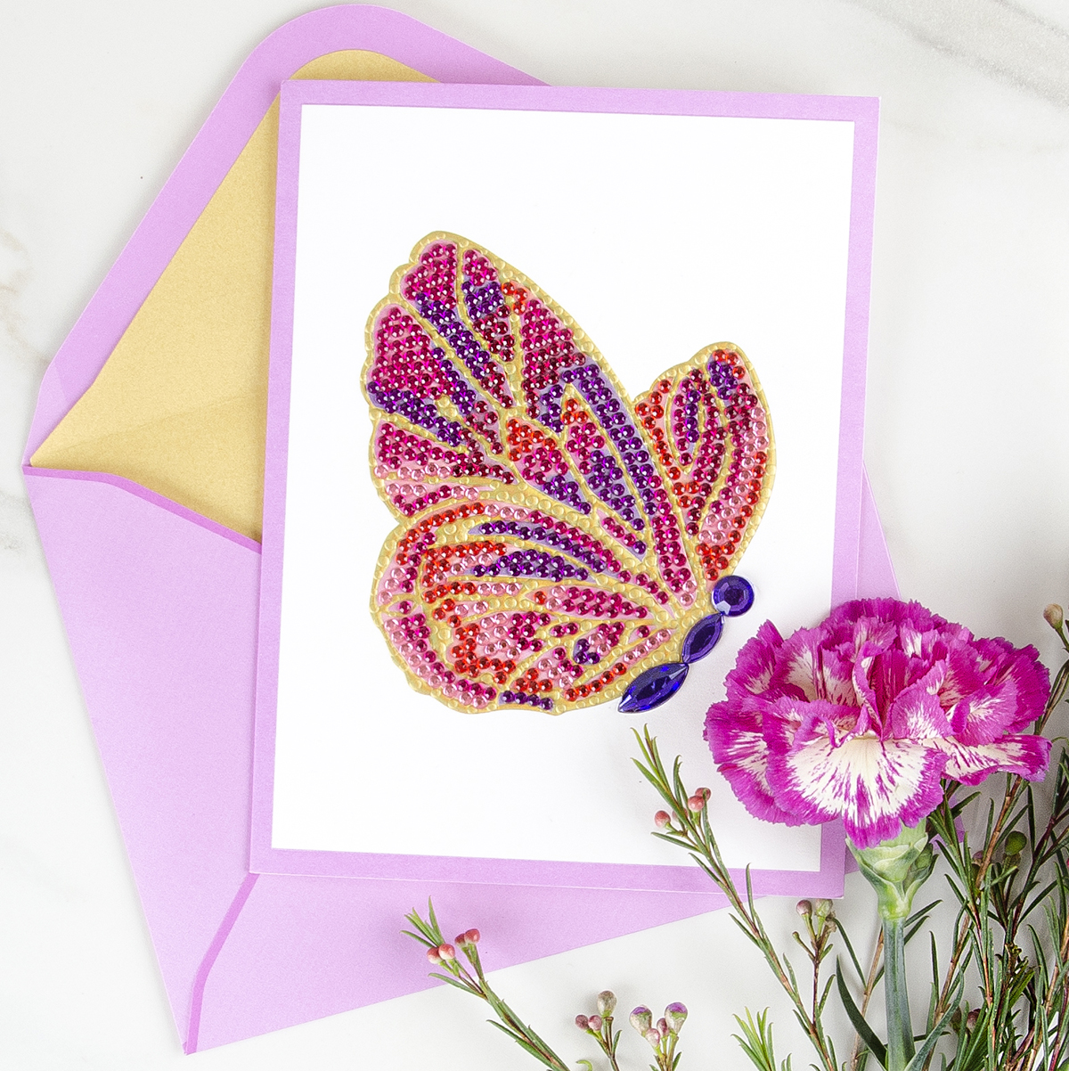 Judith Leiber Couture collaborates with Papyrus on greeting cards.