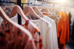 gross margins apparel retailers