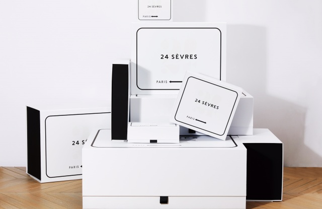 Packaging for 24 Sèvres.