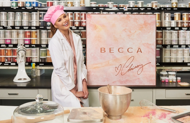 Chrissy Teigen collaborated with Becca to create the Becca X Chrissy Teigen Glow Face Palette.