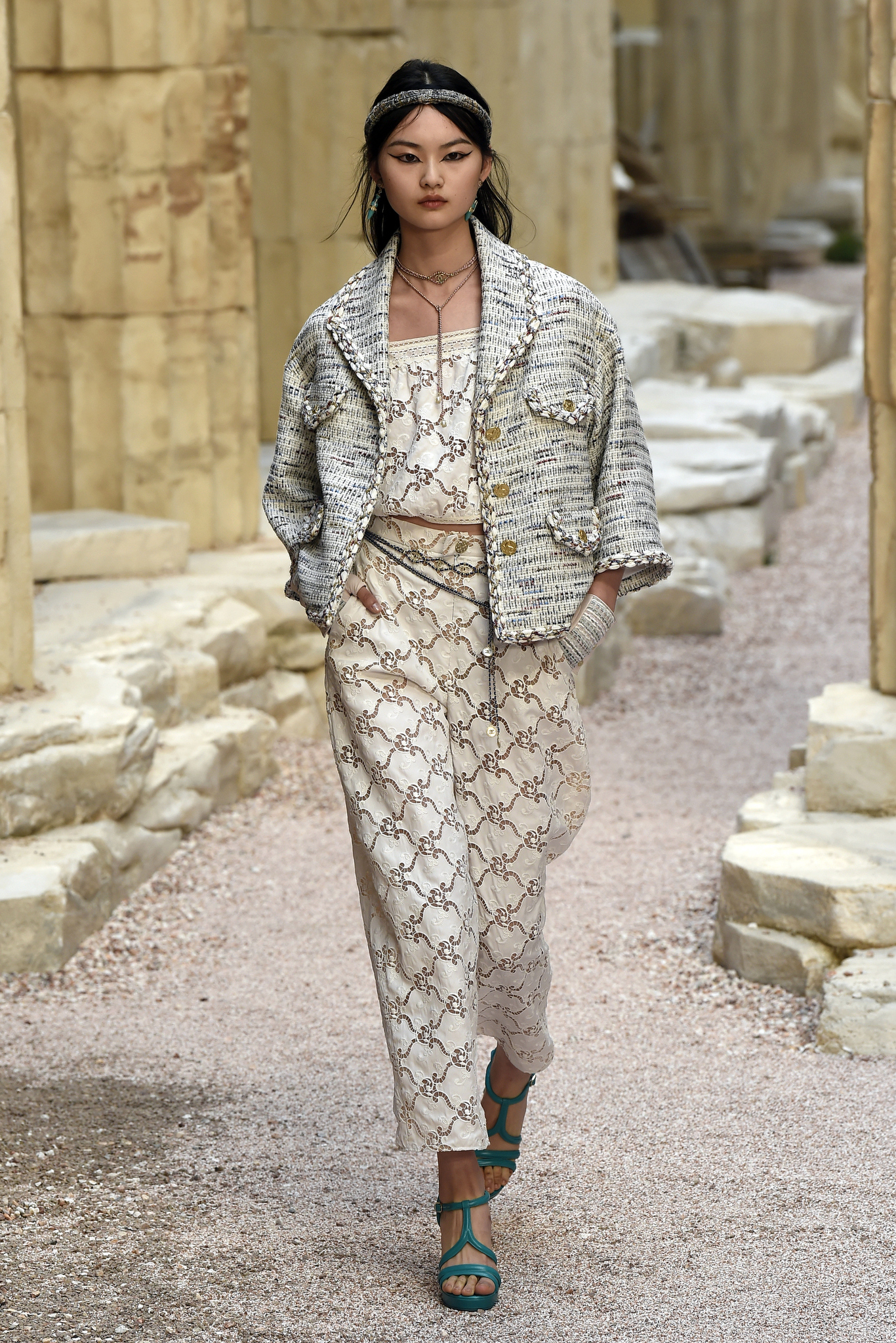 Chanel Cruise 2018 Show: All the Looks