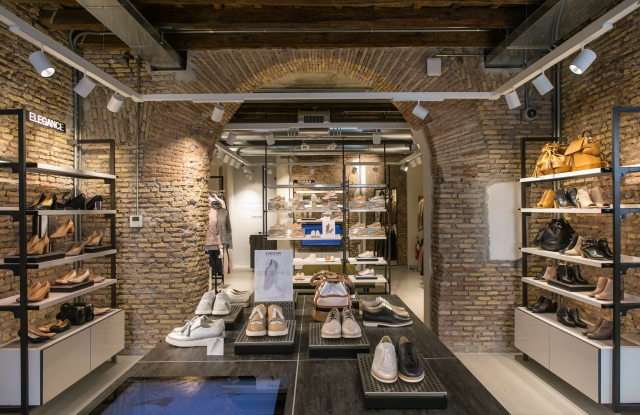 Geox store in Rome