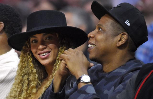 Beyonce, Jay Z Singers Beyonce and Jay Z watch during the first half of an NBA basketball game between the Los Angeles Clippers and the Oklahoma City Thunder, in Los Angeles. AP Photo/Mark J. TerrillThunder Clippers Basketball, Los Angeles, USA