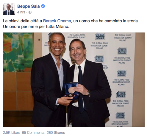 Barack Obama received the keys of Milan from the city's mayor Giuseppe Sala.