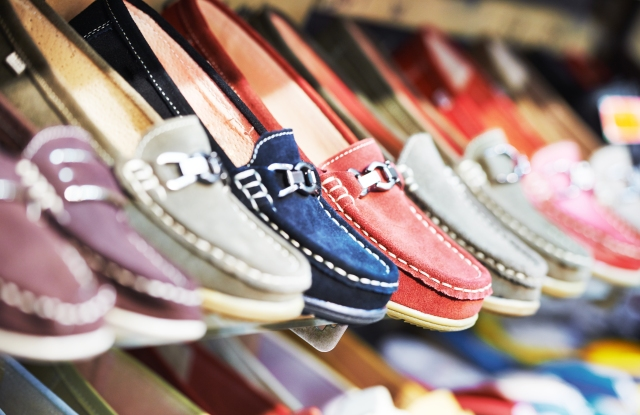 Delivery time for footwear firms average 5.6 business days.