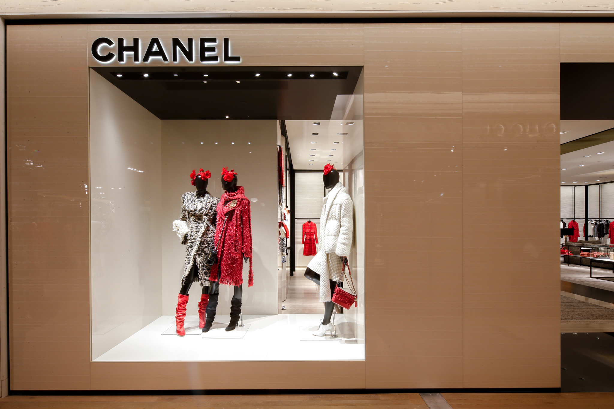A look inside Chanel's new boutique at the Saks Fifth Avenue flagship store
