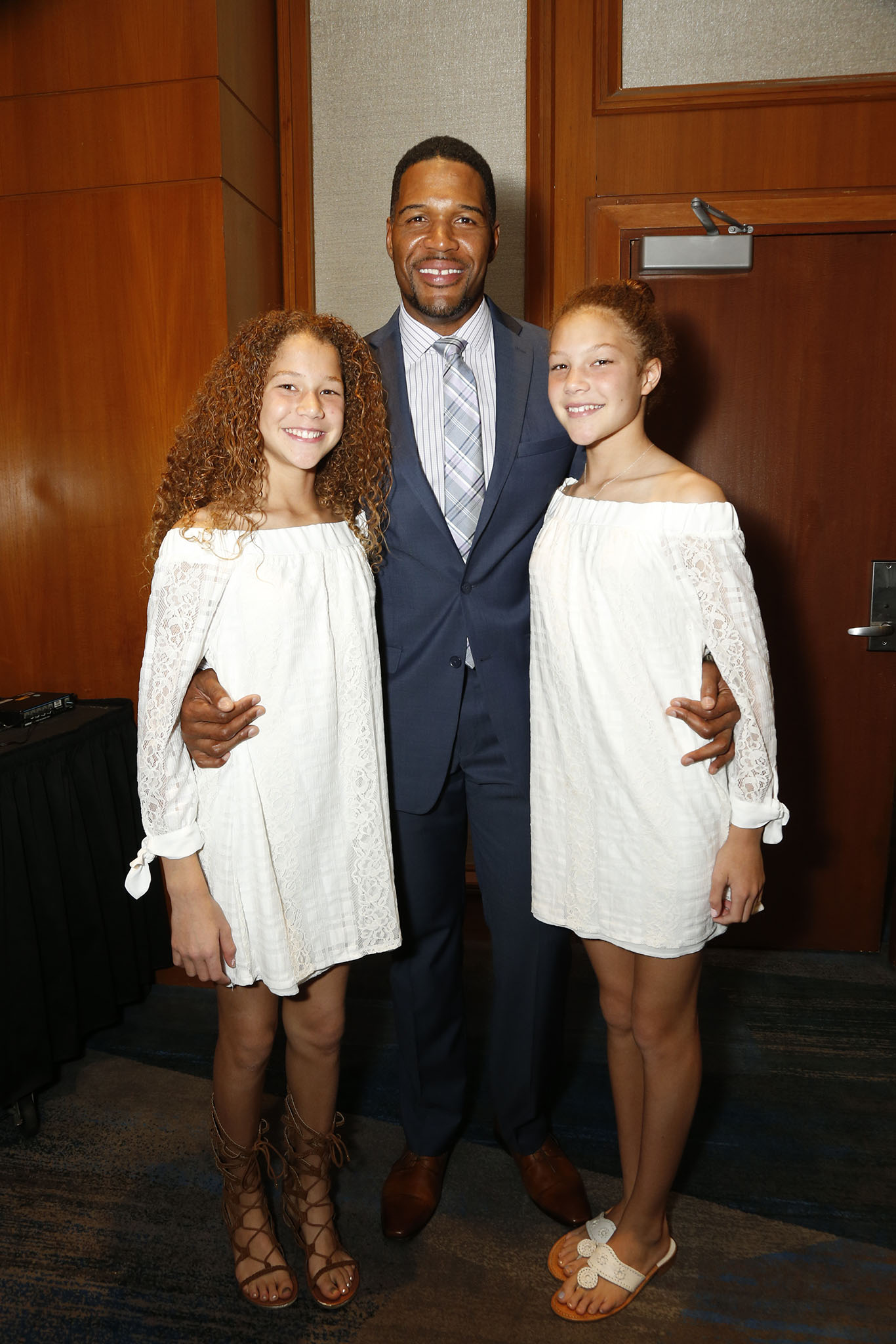 Michael Strahan and his daughters.