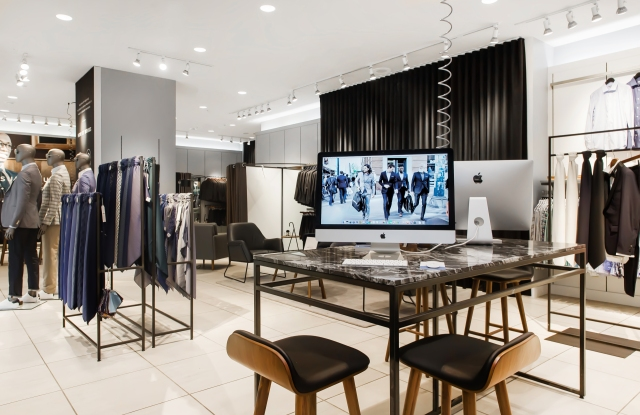 Indochino's storefronts carry no inventory.