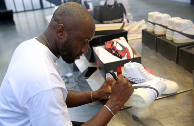Virgil Abloh signing Nike trainers