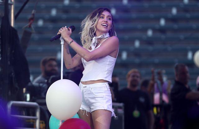 Miley Cyrus102.7 KIIS FM'S WANGO TANGO, Show, Carson, USA - 13 May 2017