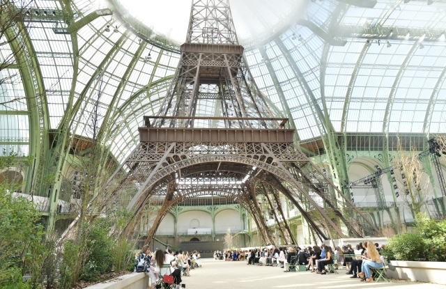 The Set at Chanel Haute Couture Fall 2017