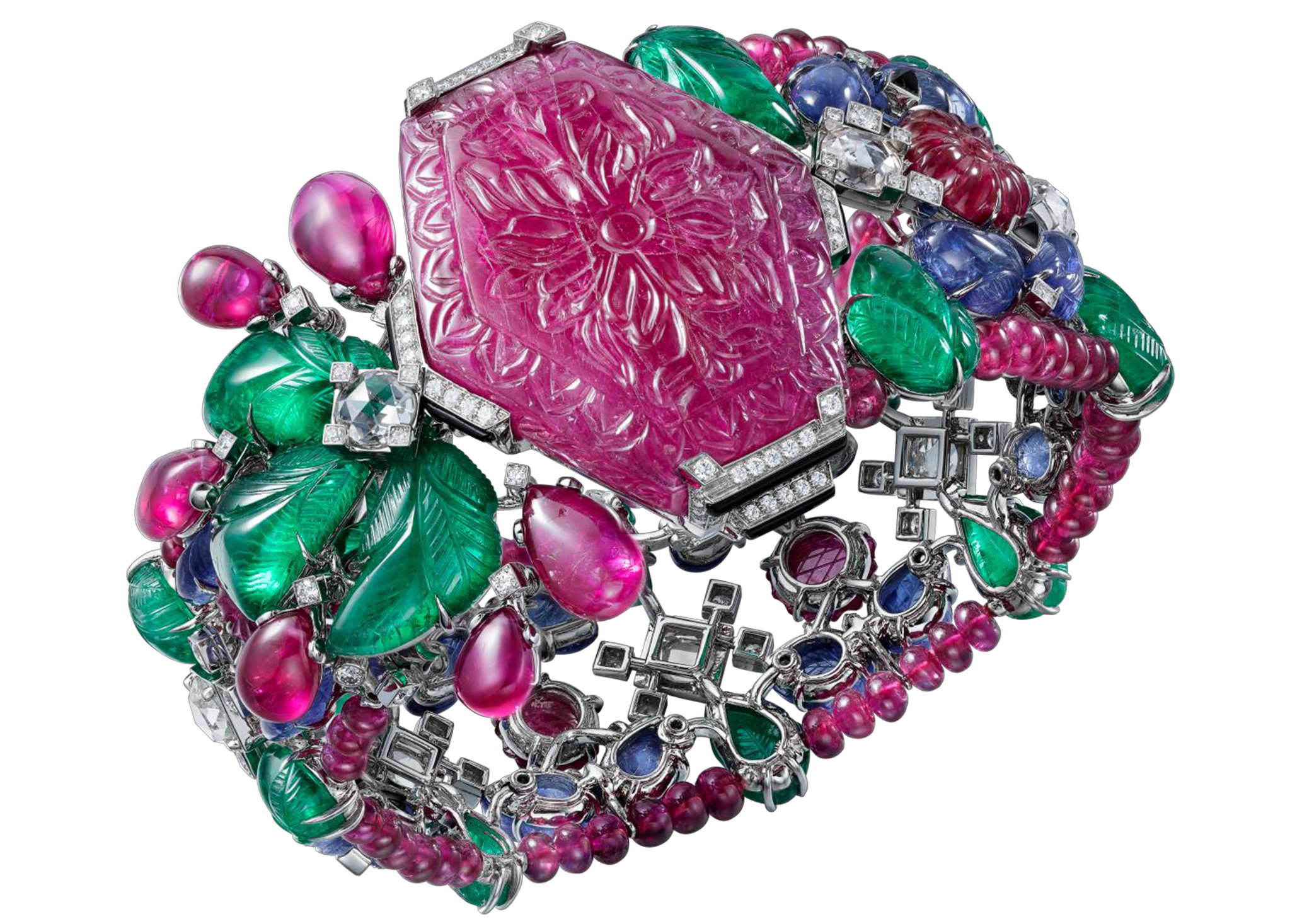 Amazing carved ruby: Puducherry bracelet with a 99.88 carats carved ruby.