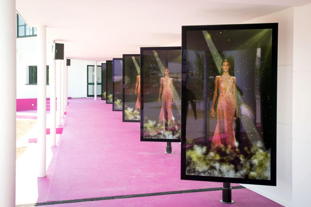 Bologna, 22/06/2017 - PRESS PREThe multimedia interactive catwalk to stage virtual runway shows.