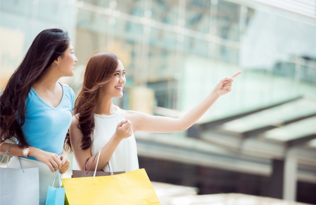 Affluent Chinese Millennials come to the U.S. to shop.