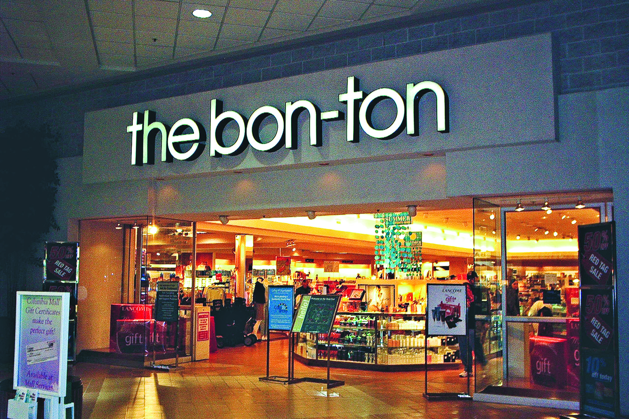 Exterior view of a Bon-Ton store