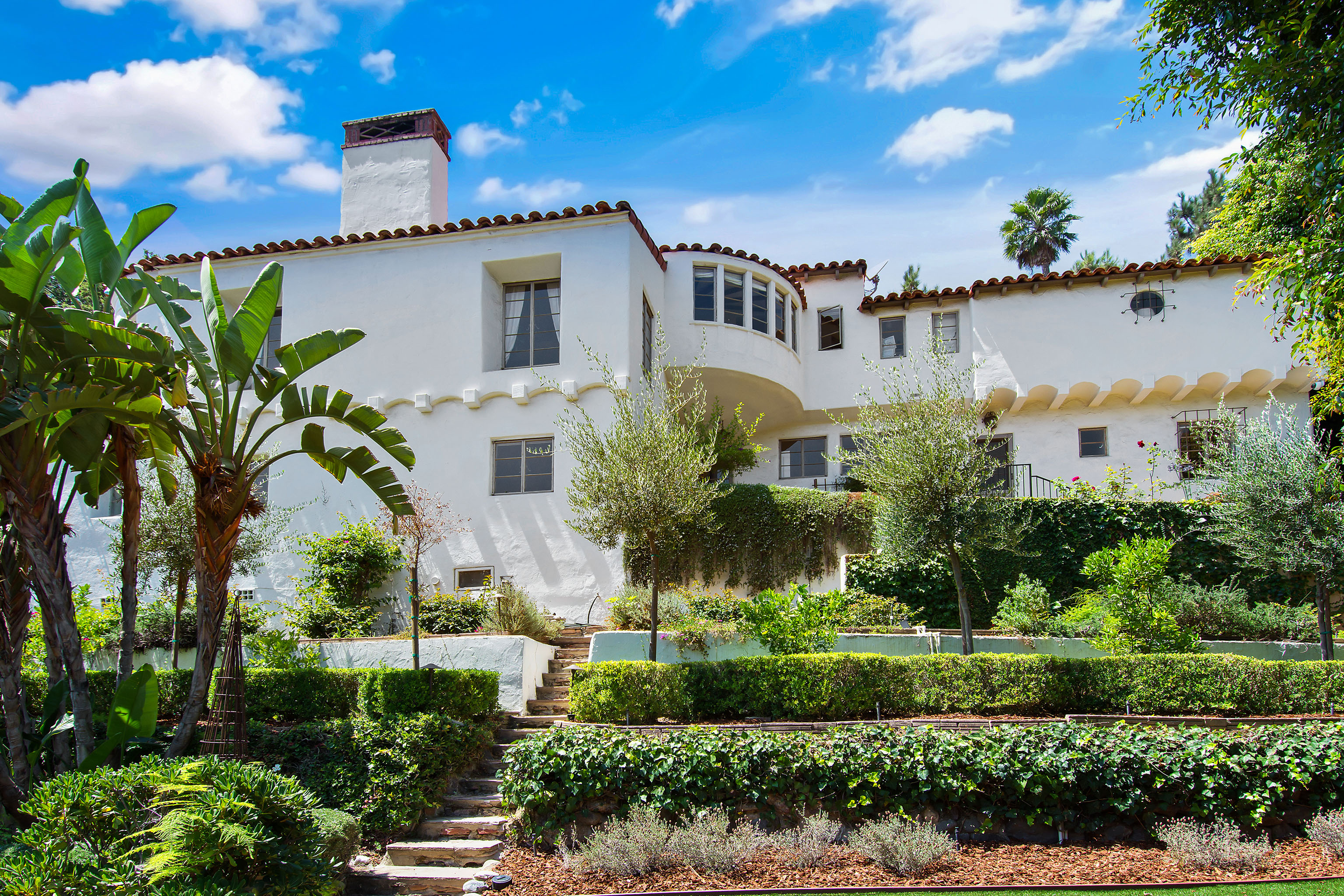 Footwear mogul Jon Buscemi is looking to flip his picturesque Los Angeles home with a celebrity past for close to $3 million.