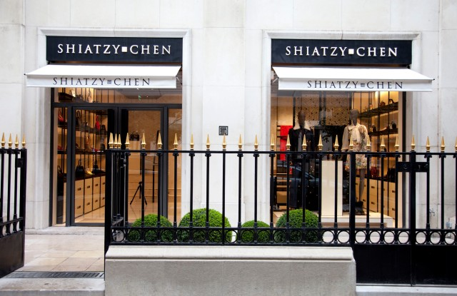 The façade of the Shiatzy Chen on Avenue Montaigne.