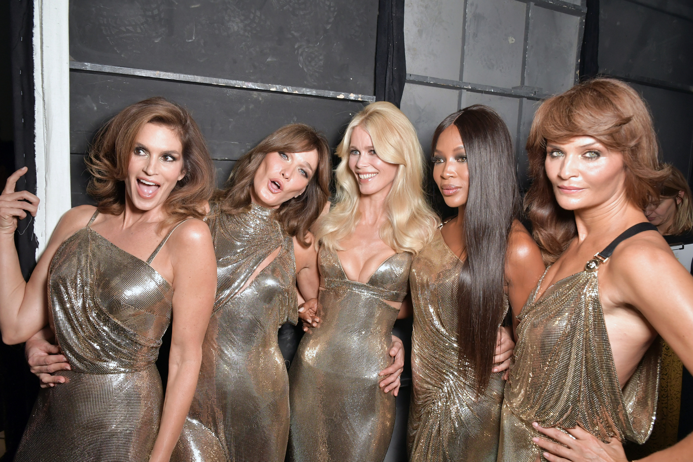 Naomi Campbell, Claudia Schiffer, Cindy Crawford, Helena Christensen and Carla Bruni closed the Versace show as a tribute to Gianni
