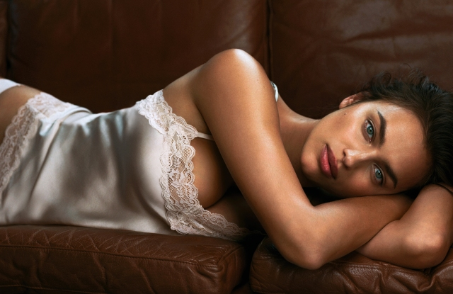 A Picture of the Intimissimi Every Wear Book starring Irina Shayk