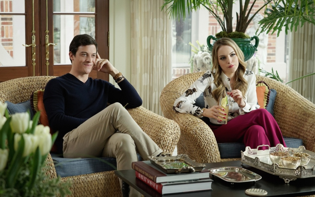 """Dynasty -- """"Pilot"""" -- Image Number: DYN101c_0184.jpg -- Pictured (L-R): James Mackay as Steven and Elizabeth Gillies as Fallon -- Photo: Jace Downs/The CW -- © 2017 The CW Network, LLC. All Rights Reserved."""