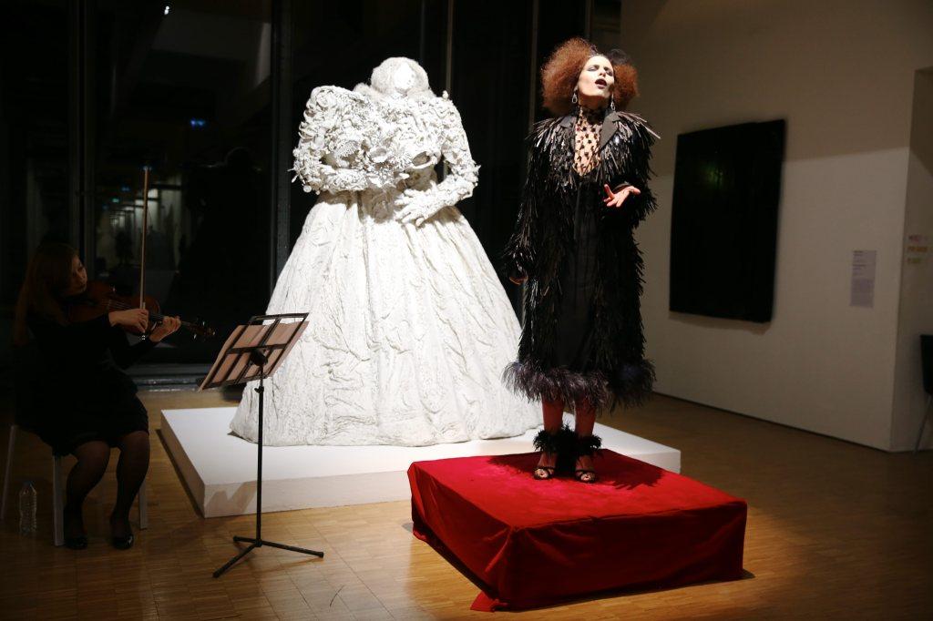 """""""Opéra Pompidou"""" live performance by Francesco Vezzoli."""