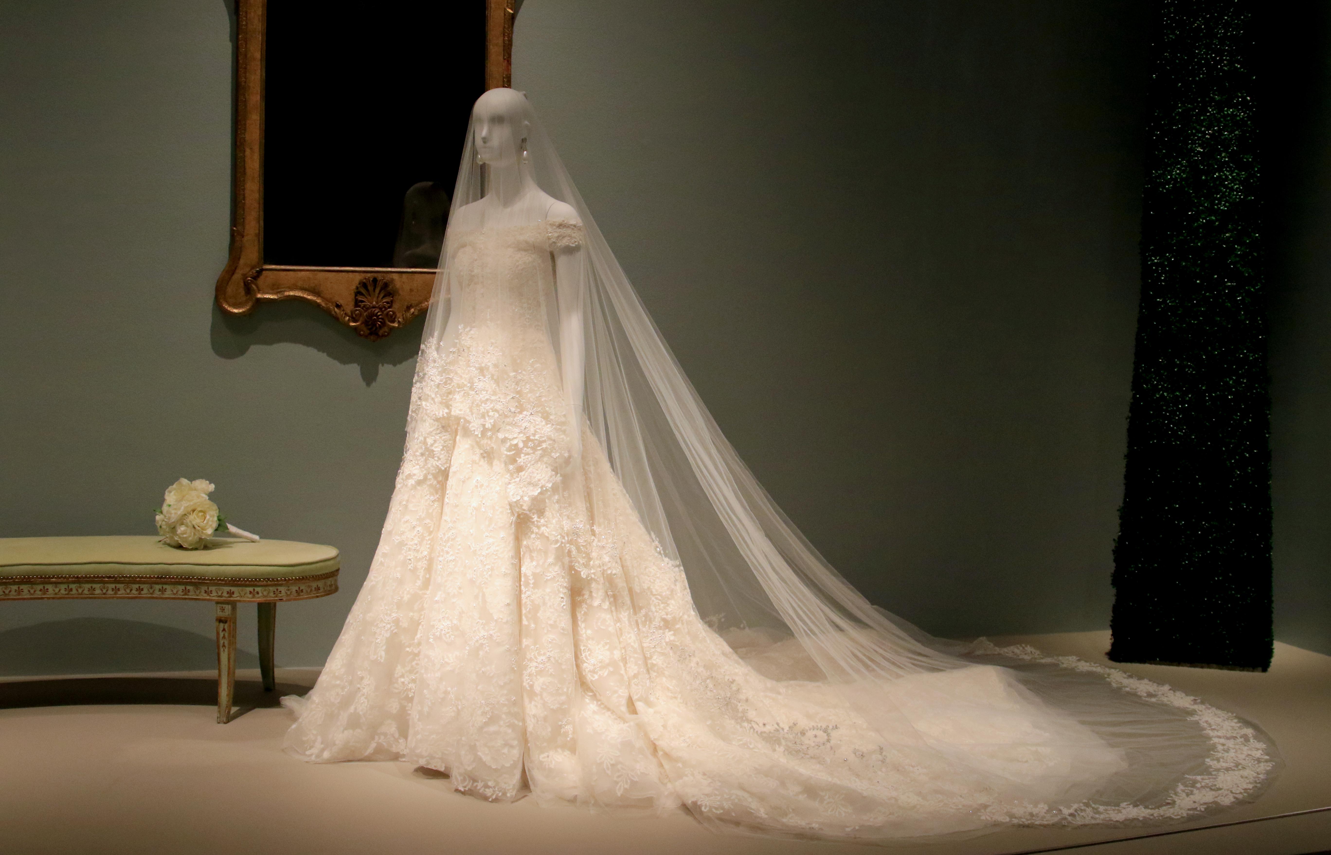 Wedding dress of Amal Clooney, 2014